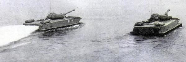 水上のPT-76