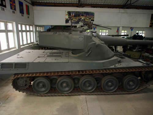フランス 試作戦車 AMX 50 千鳥足転輪