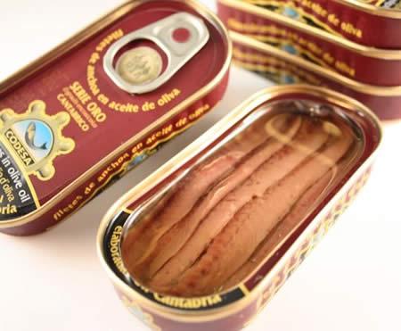 アンチョビの缶詰