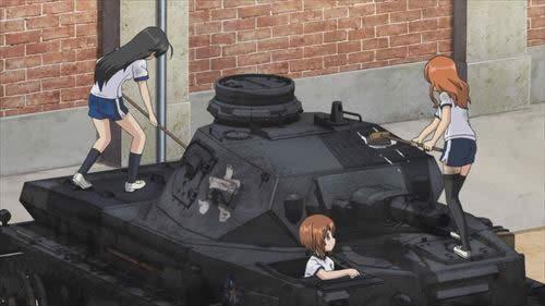 ガールズ&パンツァー 戦車を洗車するあんこうチーム 02