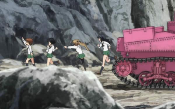 ガールズ&パンツァー 戦車から逃げ出すウサギさんチーム